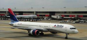 Delta Airlines: no ai posti centrali sull'aereo per evitare contagi