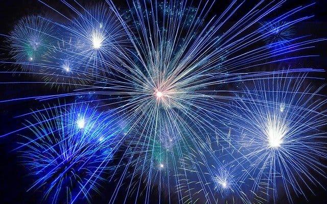 Le 7 tradizioni della notte di Capodanno più strane al mondo