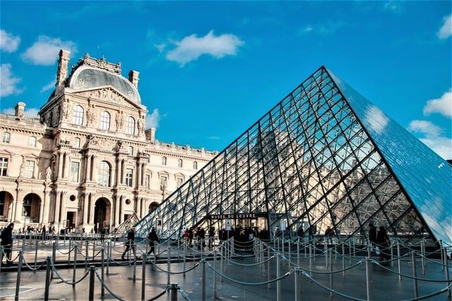 Il Louvre rende disponibile online la sua intera collezione d'arte