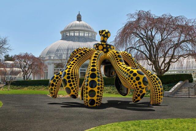 La mostra di Yayoi Kusama conquista il Botanical Garden di New York