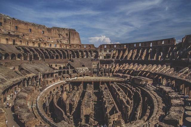 Colosseo: i visitatori possono vedere la rete segreta di tunnel sotterranei